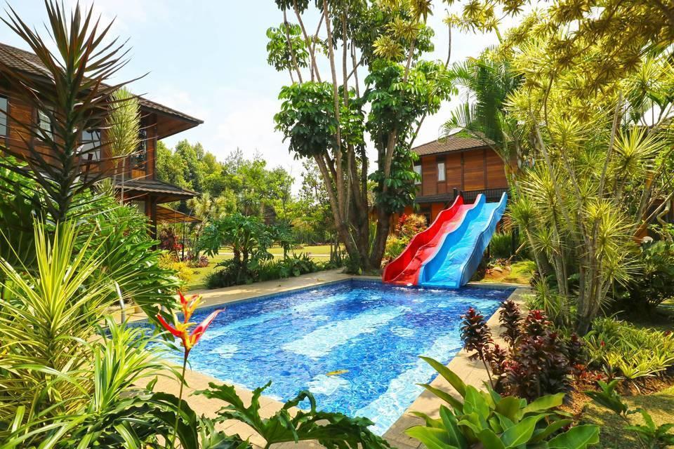 Villa Gardenia Bandung - outside