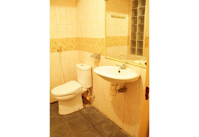 Hotel Wisata Baru Serang - Bathroom