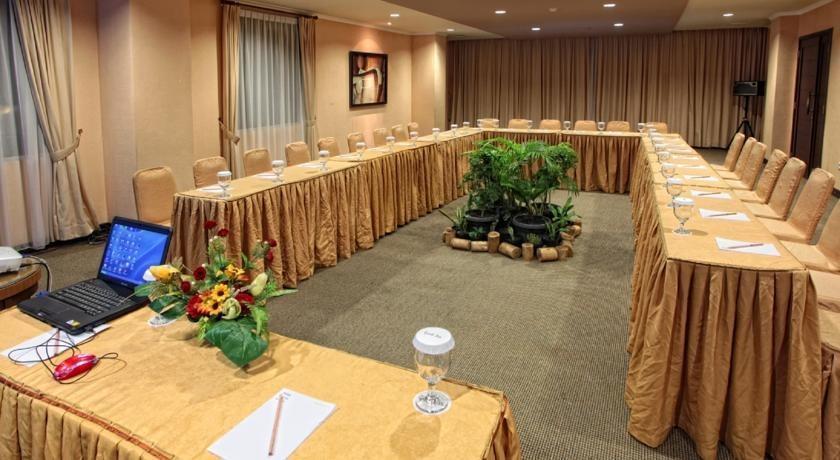 Grand Zuri Dumai Dumai - Kamar Conference