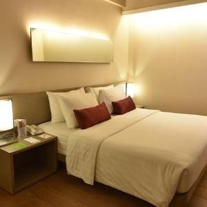 Grand Zuri Dumai Dumai - Junior Suite Room Regular Plan
