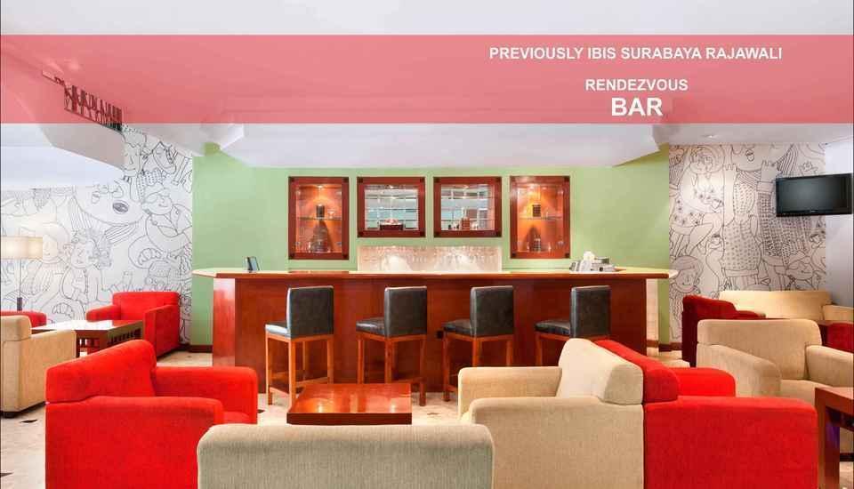 Hotel Arcadia Surabaya - bar / lounge