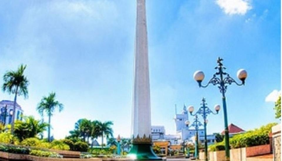 Hotel Arcadia Surabaya - Tugu Pahlawan