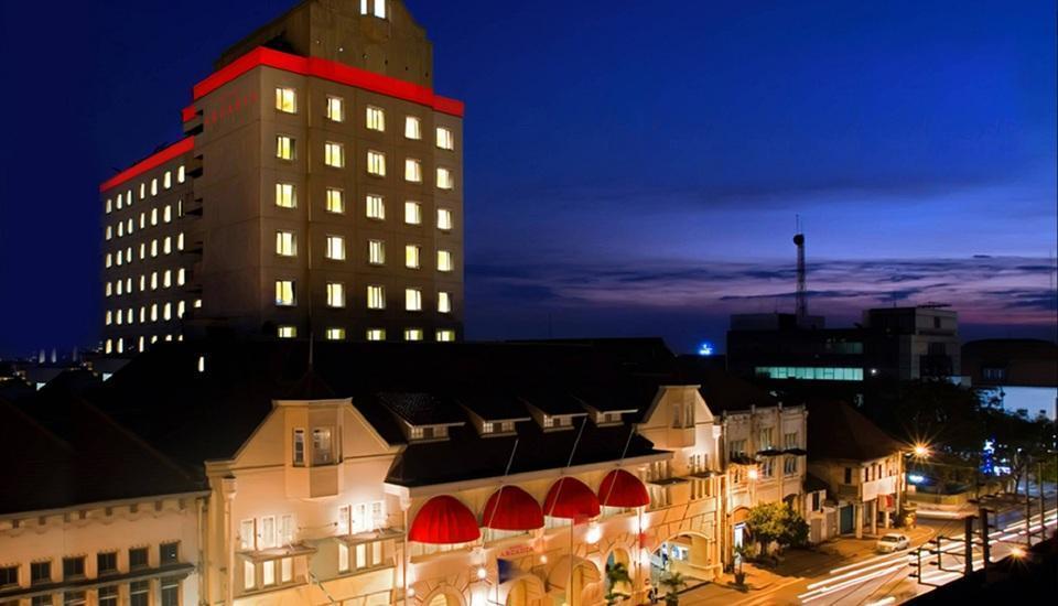 Hotel Arcadia Surabaya - bangunan hotel Arcadia