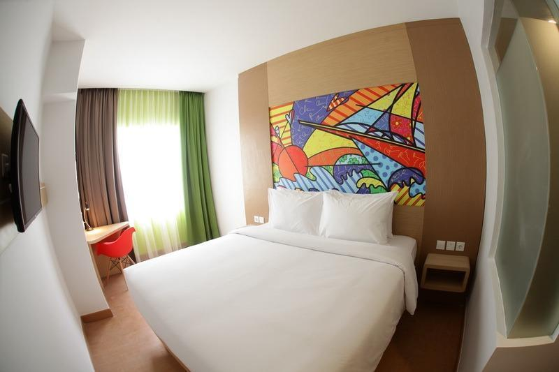 MaxOneHotels at Resort Delia Makassar - Happiness Double Room Only  Regular Plan
