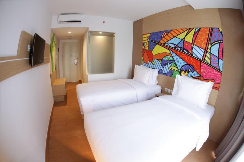 MaxOneHotels at Resort Delia Makassar - Max Happiness Twin With Breakfast Regular Plan