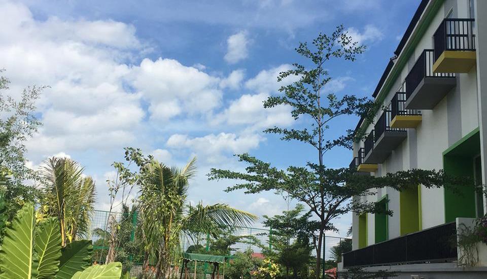 MaxOneHotels at Resort Delia Makassar - Sekitar