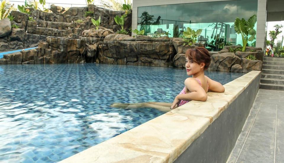 MaxOneHotels at Resort Delia Makassar - Kolam