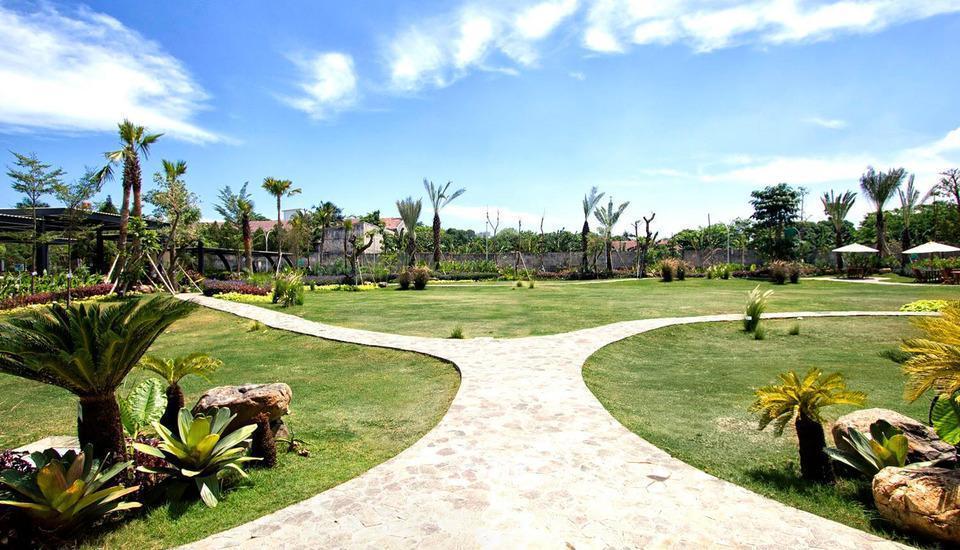 MaxOneHotels at Resort Delia Makassar - Taman