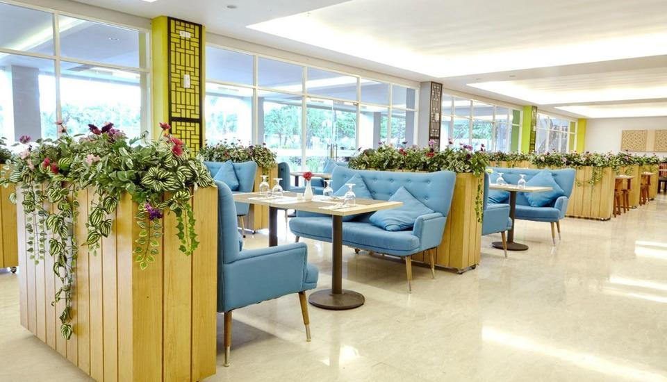 MaxOneHotels at Resort Delia Makassar - Restoran