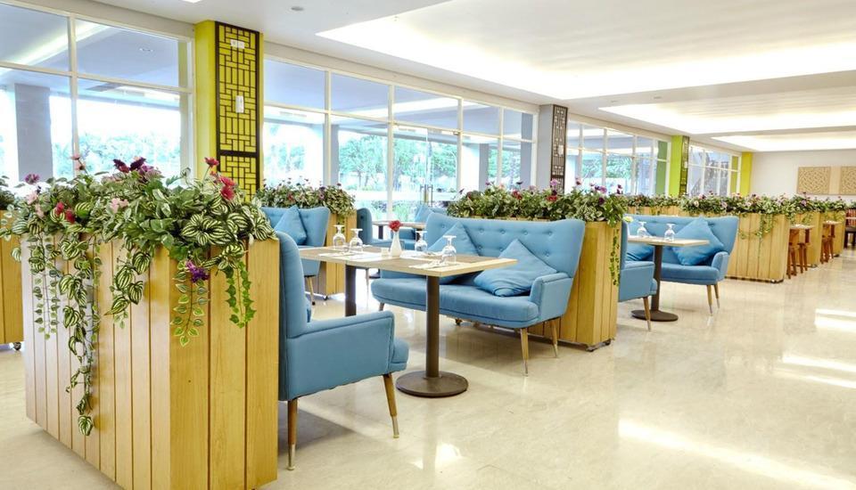 MaxOneHotels at Resort Delia Makassar - Restoran