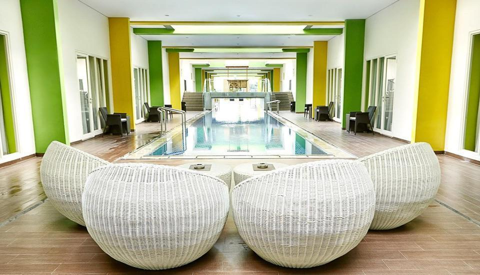 MaxOneHotels at Resort Delia Makassar - Kolam Dewasa