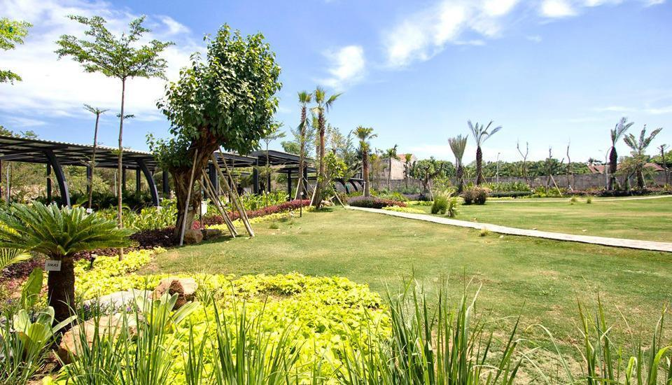 MaxOneHotels at Resort Delia Makassar - Garden