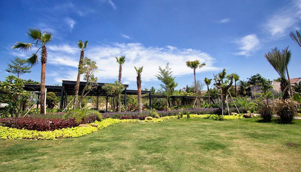 MaxOneHotels at Resort Delia Makassar - Garden
