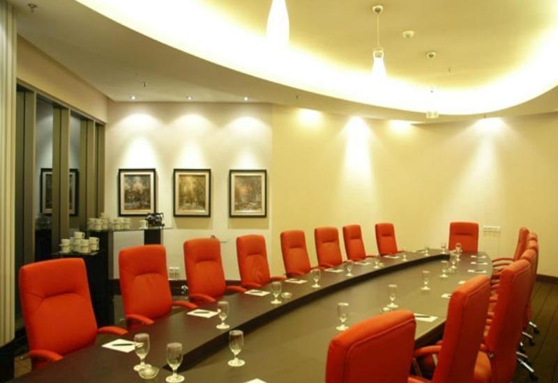 Manhattan Hotel Jakarta - Meeting Room