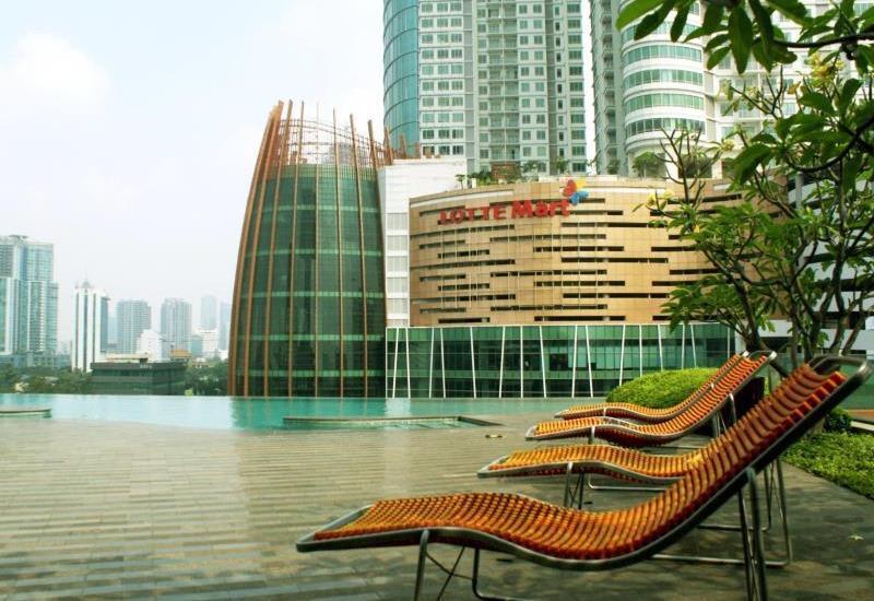 Manhattan Hotel Jakarta - Swimming Pool