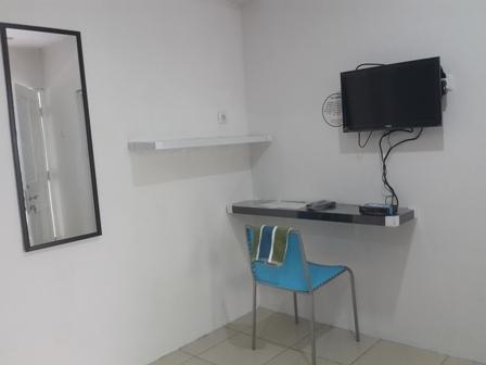 Hotel Griya Surya Solo - televisi dengan fasilitas tv berlangganan