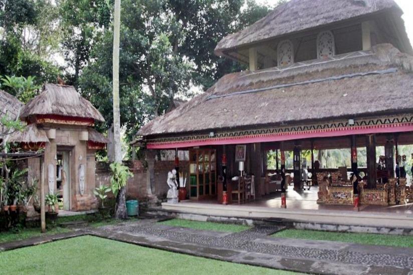 Puri Taman Sari Bali - Ruang makan