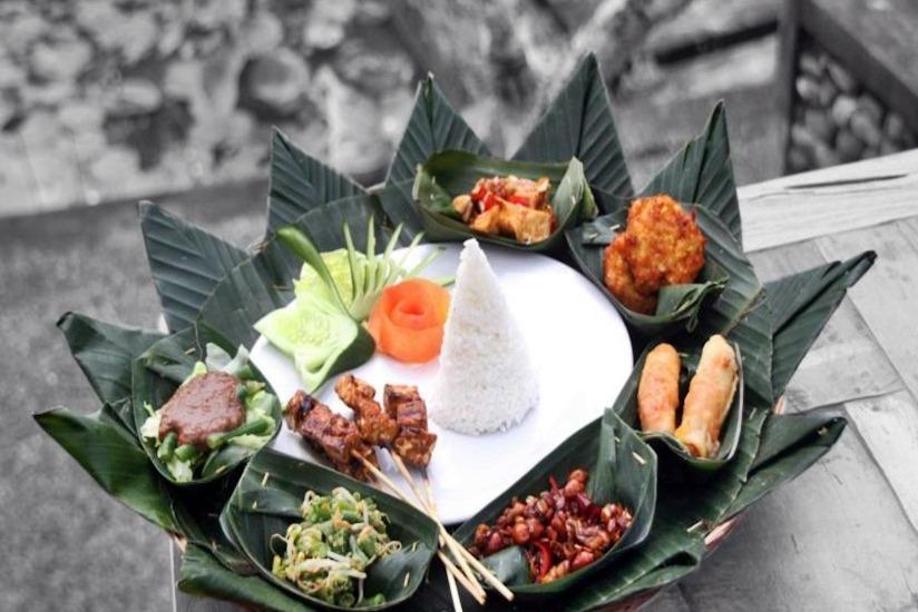 Puri Taman Sari Bali - Makanan