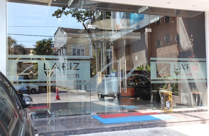 LA'RIZ Wthree Lagaligo Makassar - Lobby