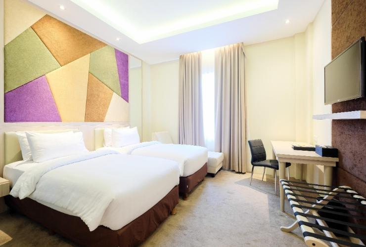 LA'RIZ Wthree Lagaligo Makassar - Deluxe Twin Room Only Regular Plan
