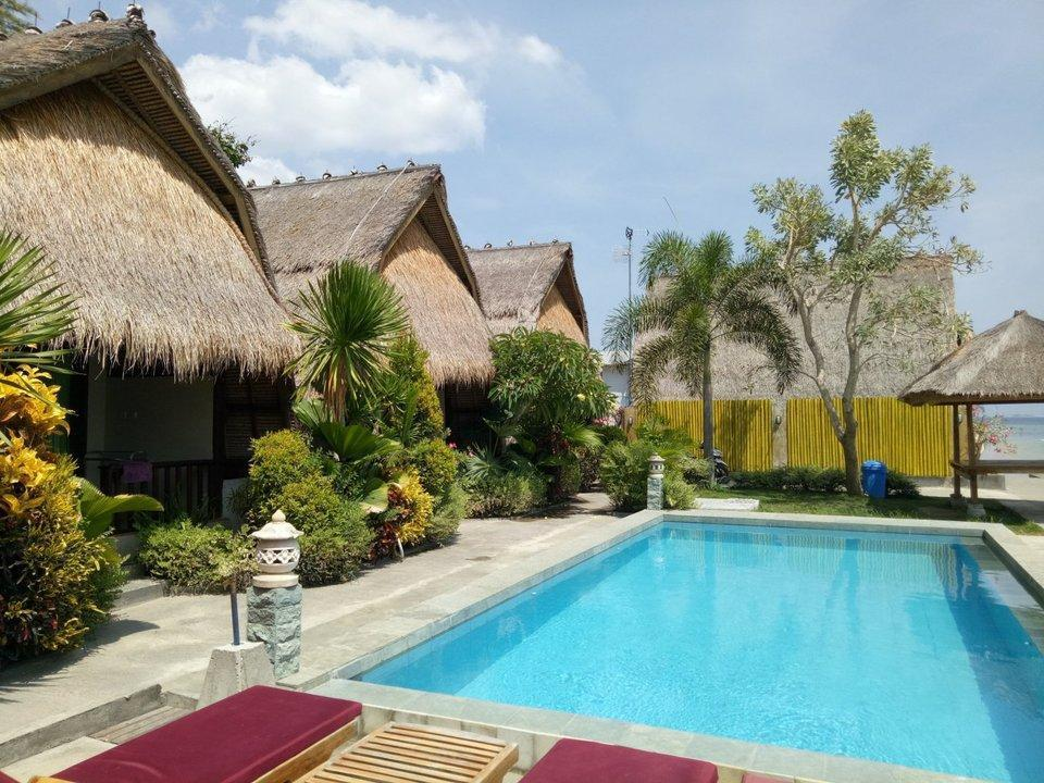 Krisna Bungalow and Restaurant Lombok - lumbung bungalow sea view Fan