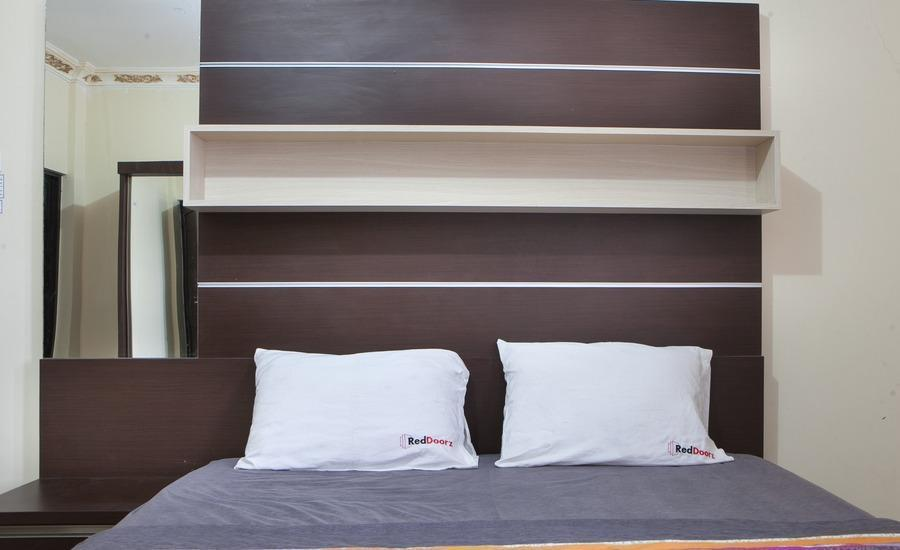 RedDoorz near Isola Upi Bandung - RedDoorz Room Regular Plan