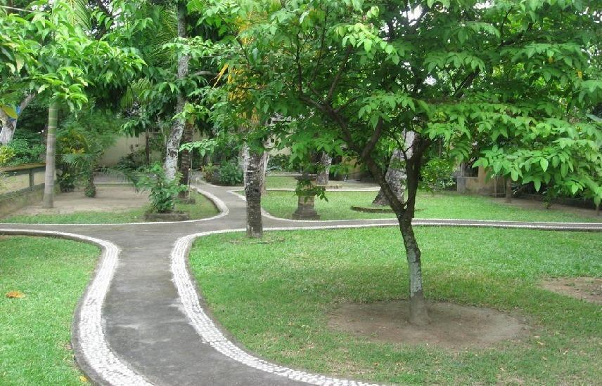 Mahalini 1 Bali - Taman