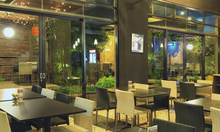 High Livin Apartment Bandung - Restaurant