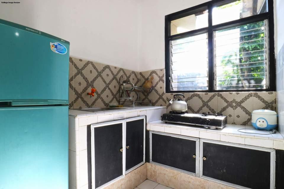 Aries Biru Hotel Bogor - Bungalows 3 Bedrooms Minimum 2 malam