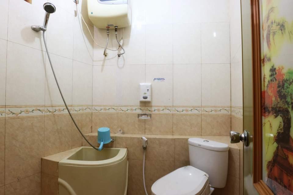 Aries Biru Hotel Bogor - Deluxe Room Only Minimum 2 malam