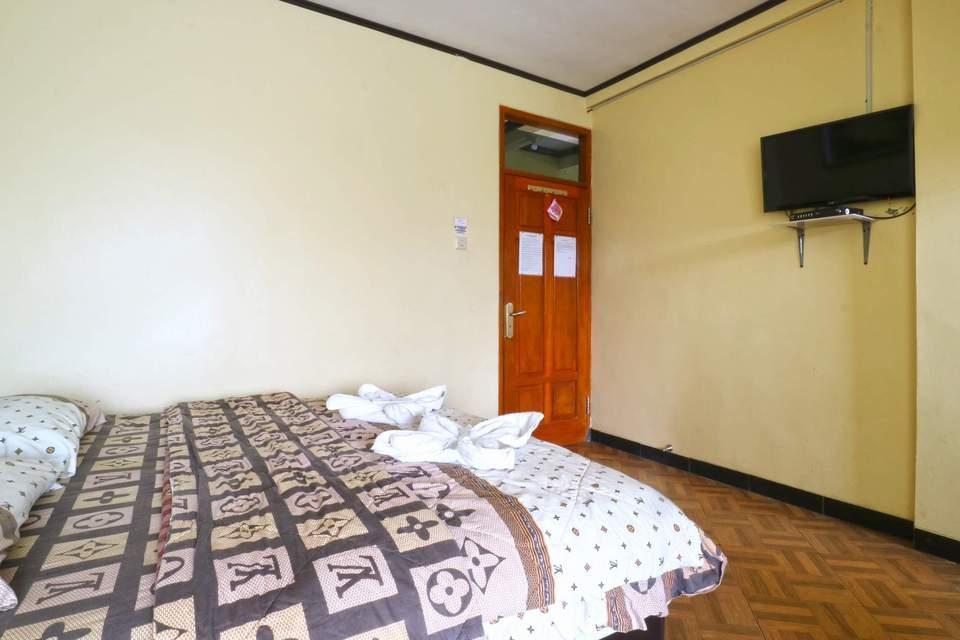 Aries Biru Hotel Bogor - Superior Room Only Basic Deal 40%