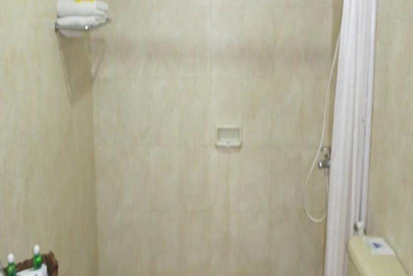 Hotel Pelangi Malang - Kamar mandi