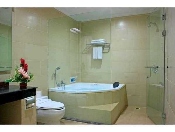 Pelangi Bali Hotel & Spa Bali - Super Deluxe Bathroom