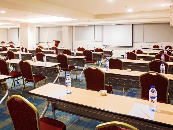 The BnB Jakarta Kelapa Gading - Meeting Room