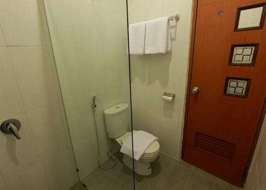 Sasono Putro Guest House Yogyakarta - Kamar mandi