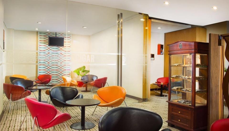 Hotel Santika Medan Medan - Cigar and Wine Lounge