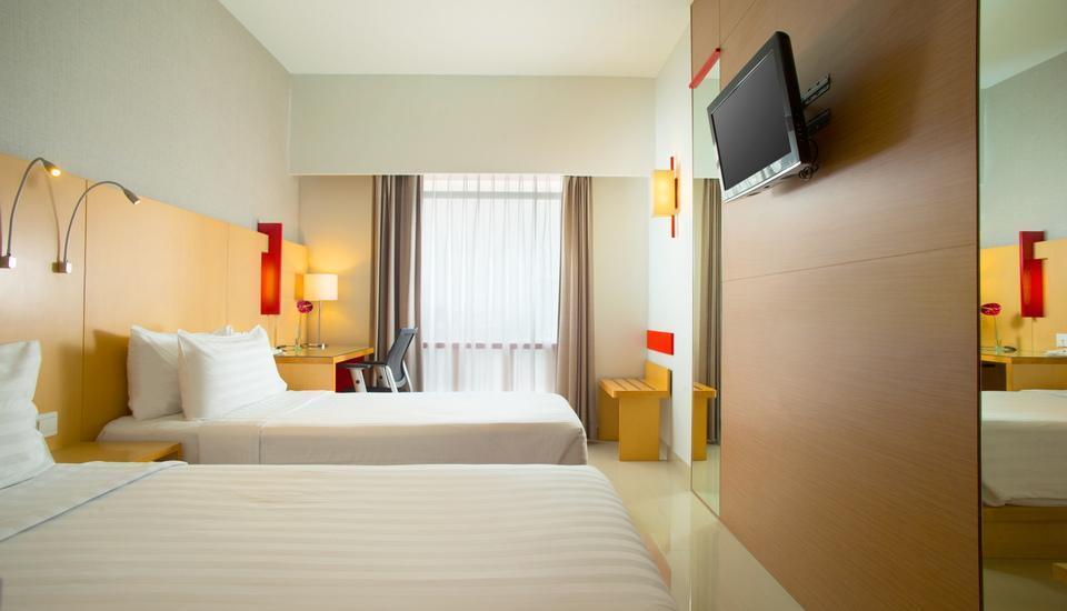 Hotel Santika Medan Medan - FULL SEASON  Regular Plan