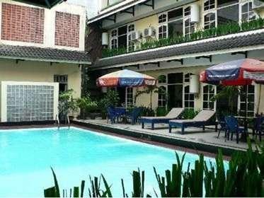 Hotel Pangrango 1 Bogor - Kolam Renang