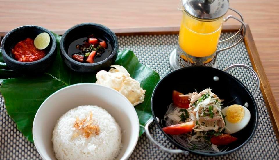 Golden Tulip Essential Belitung - Food