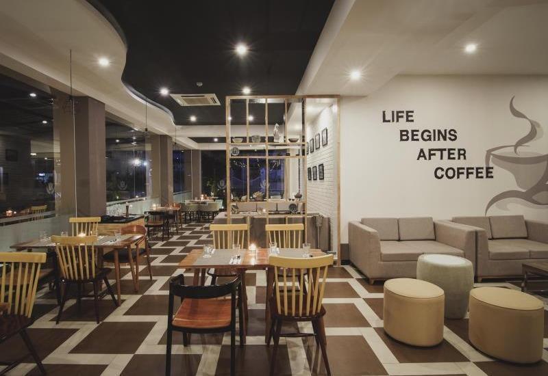 Golden Tulip Essential Belitung - restaurant