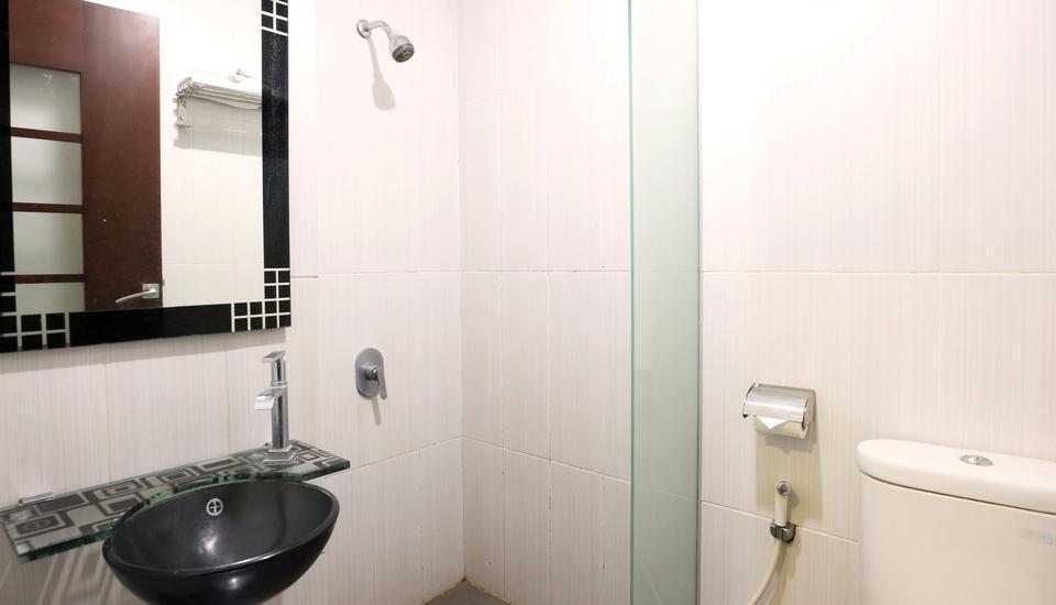 Hyper Inn Bandung - Bathroom