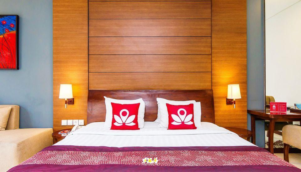 ZEN Premium Umalas Bumbak Villa Bali - Tampak tempat tidur double