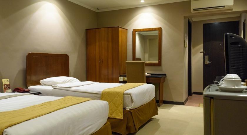 Hotel Gajahmada Pontianak - room