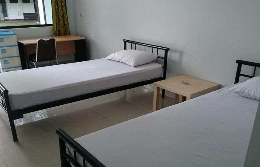 Penginapan Surya Hotel Serang - Kamar tamu