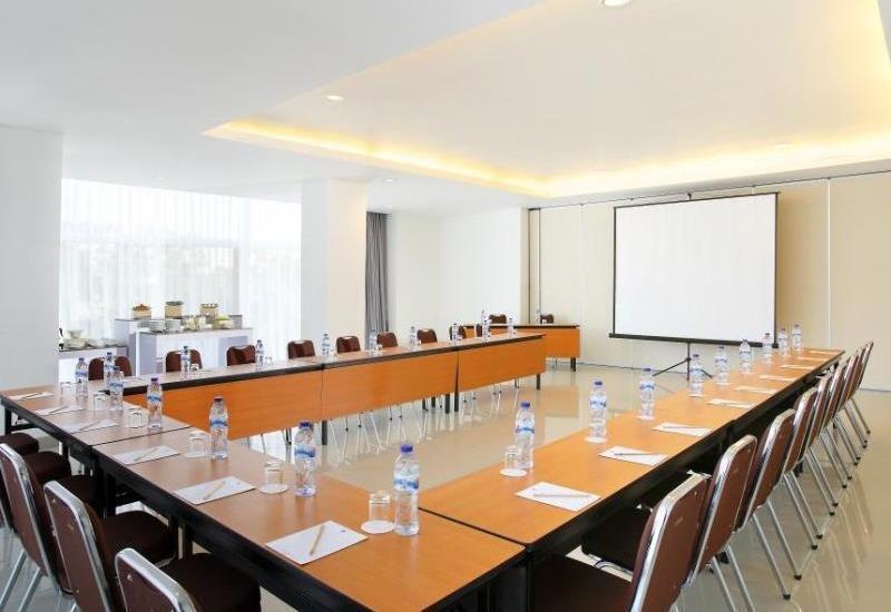 Amaris Pakuan Bogor - meeting room