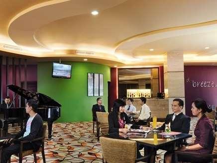 Solo Paragon Hotel Solo - Lounge The Breeze