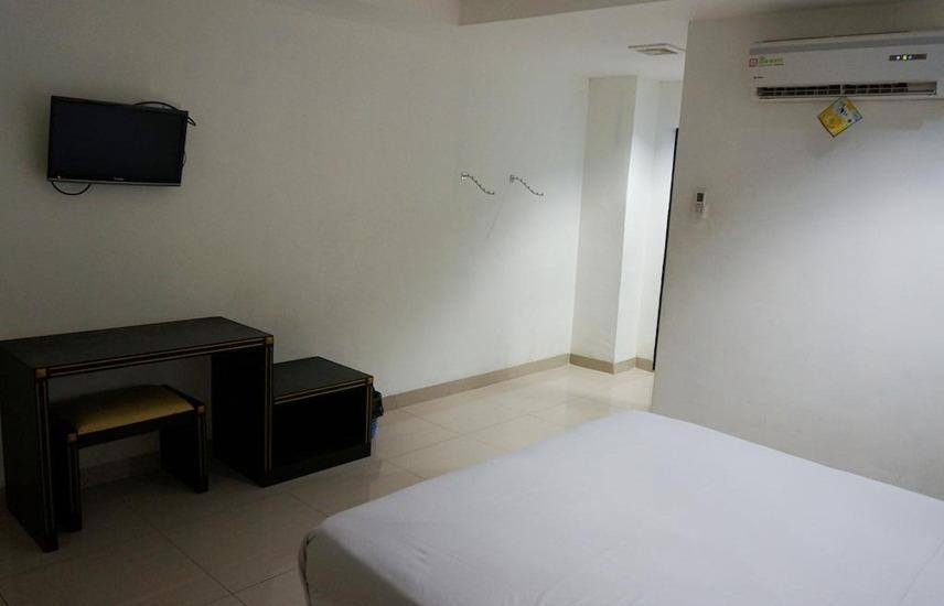 Hotel Surya Jambi Jambi - Deluxe Room Regular Plan