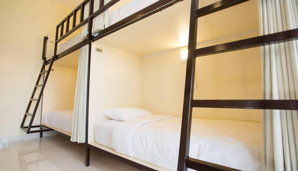 VCanggu Dormitory Bali - One Dormitory room with 8 single bed 2 Night Promotion