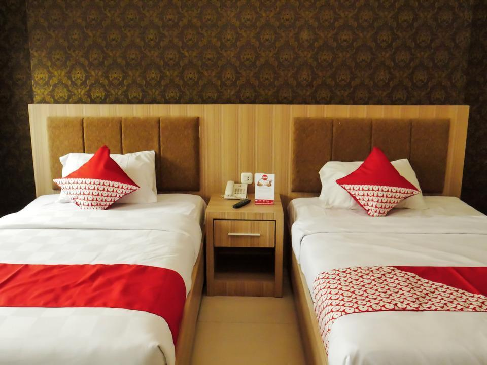 OYO 238 Hotel Grand Darussalam Syariah Medan - Deluxe Twin Limited Time Deal