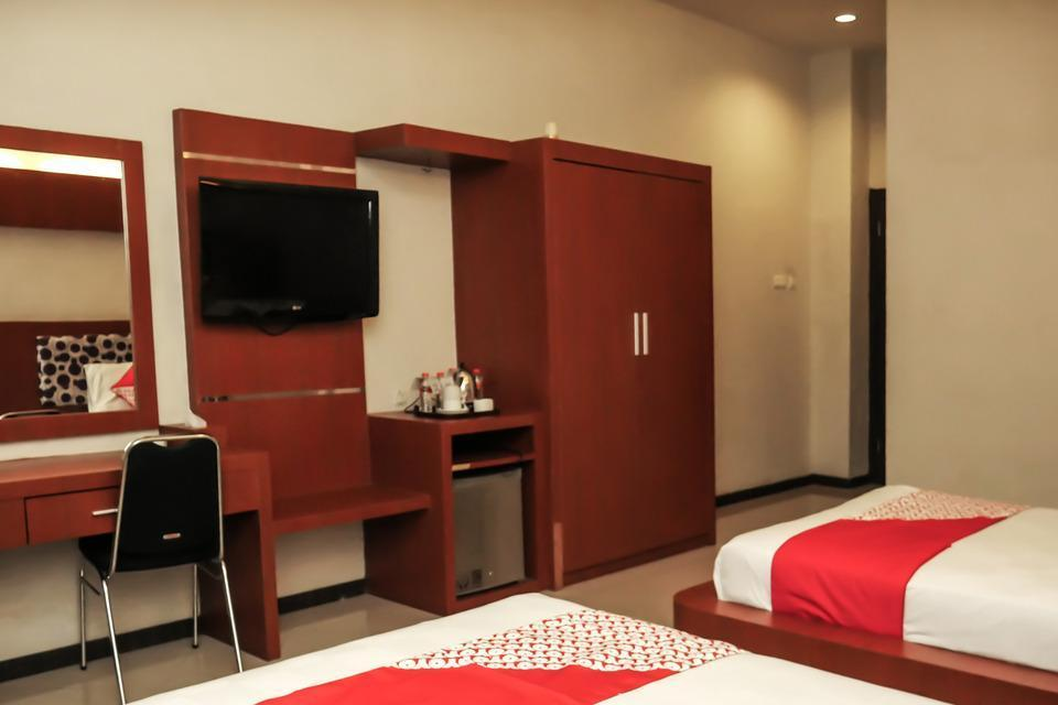 OYO 238 Hotel Grand Darussalam Syariah Medan - Suite Twin Limited Time Deal